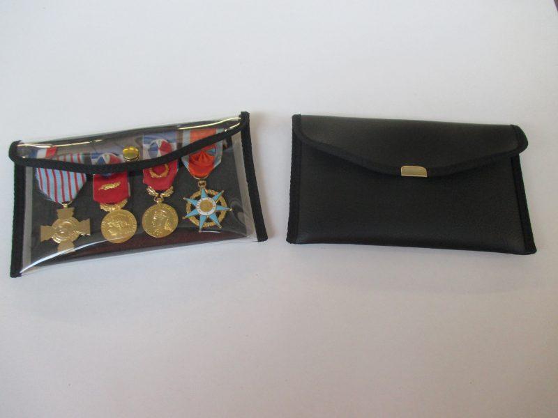 POCHETTE-RANGE-MEDAILLES-800x600 Pochette range médailles