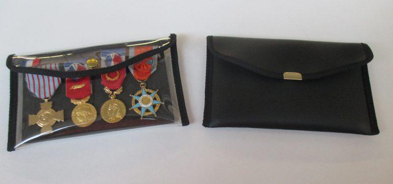 baudriers-porte-drapeau-800x725 Représentations et cérémonies