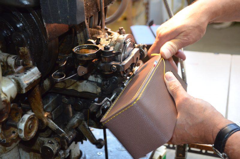 piqûre-sur-angle-sacoche-pétanque-800x530 Votre fabrique de maroquinerie industrielle